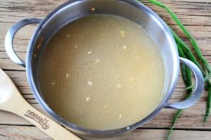 Наваристый суп из смеси бобовх и круп - фото шаг 4