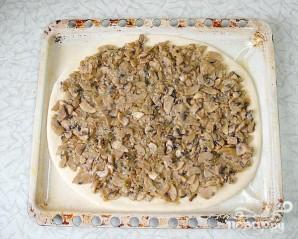 Пресный пирог с грибами - фото шаг 5
