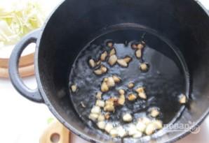 Тушеная капуста с винным соусом - фото шаг 3
