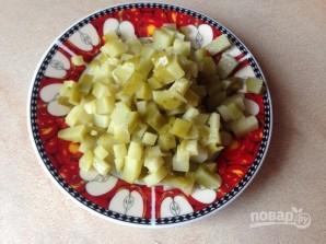 Салат из кальмаров с яйцами - фото шаг 4