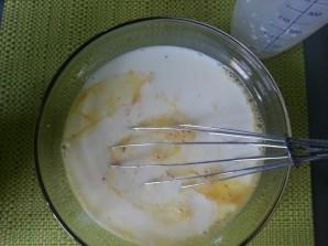 Омлет в духовке с колбасой - фото шаг 2