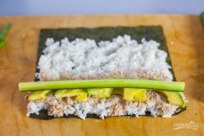 Консервированный тунец с рисом и авокадо - фото шаг 4