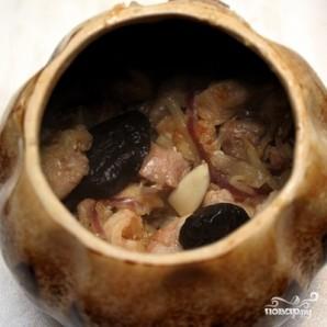 Курица в горшочках с овощами - фото шаг 11