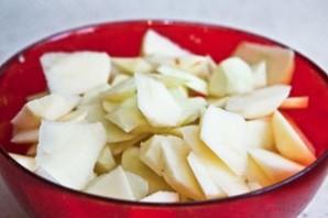 Шарлотка на простокваше с яблоками - фото шаг 3