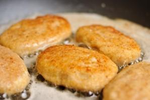 Куриные котлеты с плавленым сыром   - фото шаг 12