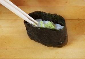 Суши с икрой - фото шаг 5