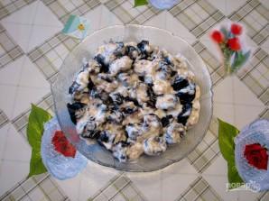 Чернослив с грецким орехом в сметане - фото шаг 3