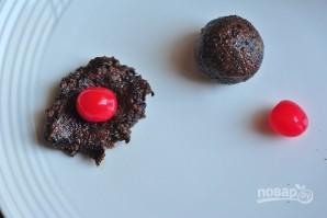 Конфеты из сухофруктов с коктейльной вишней - фото шаг 3