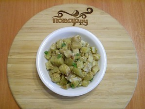 Жареные баклажаны с чесноком и зеленью - фото шаг 8