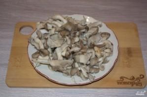 Суп из вешенок с картошкой - фото шаг 2
