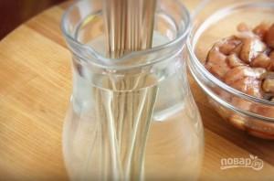 Сочный куриный шашлык в духовке - фото шаг 4