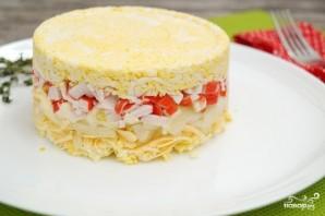 Слоеный салат с крабовыми палочками - фото шаг 6