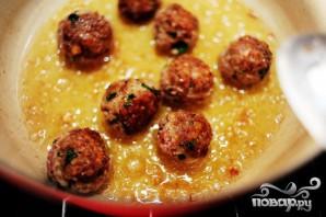 Спагетти с фрикадельками и соусом - фото шаг 3