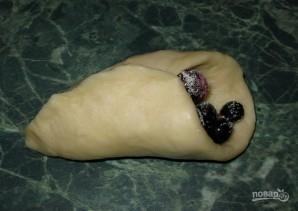 Пирожки со смородиной из дрожжевого теста - фото шаг 3