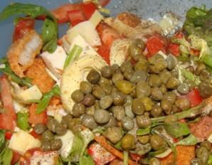 Простой салат с каперсами - фото шаг 7