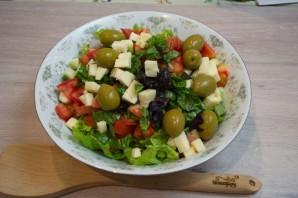 Греческий салат классический - фото шаг 5