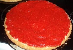 Бисквитный торт с заварным кремом и клубникой - фото шаг 6