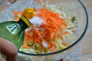 Маринованная капуста с овощами - фото шаг 7