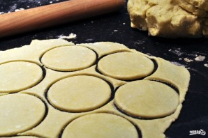 """Печенье """"Гусиные лапки"""" из творога - фото шаг 1"""