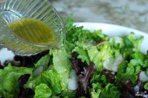 Весенний салат с французской заправкой - фото шаг 10