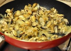 Жюльен из морепродуктов - фото шаг 4