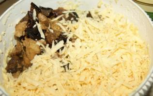 Маффины с курицей и грибами - фото шаг 8