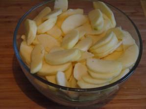 Шарлотка с яблоками с коньяком - фото шаг 1