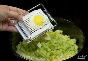 Крабовый салат с пекинской капустой - фото шаг 3