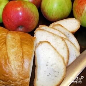 Яблоки, запеченные с черствым хлебом - фото шаг 1