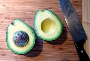 Авокадо с сыром - фото шаг 1