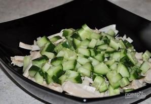 Салат с консервированными кальмарами - фото шаг 2