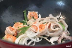 Жареный рис с морепродуктами по-тайски - фото шаг 3