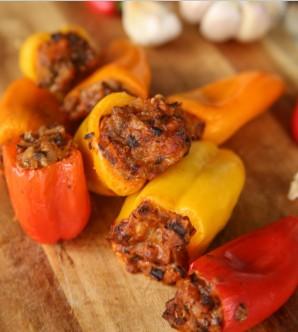 Перец, фаршированный кусочками мяса - фото шаг 4