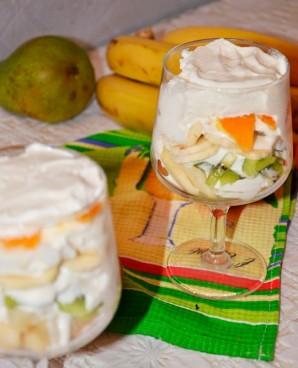 Десерт со взбитыми сливками и фруктами - фото шаг 7