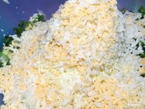 Салат из креветок и крабовых палочек - фото шаг 4