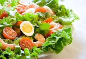 Диетический салат с креветками - фото шаг 3