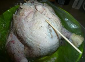 Курица, фаршированная рисом и курагой - фото шаг 6