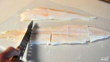 Филе минтая в кляре - фото шаг 2