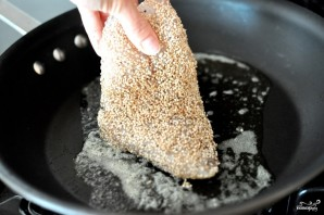 Рыба в кунжуте - фото шаг 3