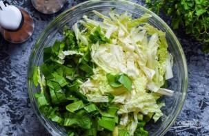 Салат из китайской капусты и помидоров - фото шаг 1