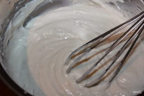 Рецепт блинов на кефире без яиц - фото шаг 3