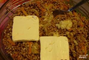 Каша гречневая с луком - фото шаг 3