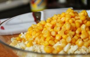 Салат из яиц и кукурузы - фото шаг 3