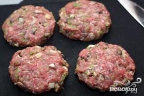 Гамбургер с белыми грибами - фото шаг 4