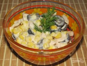 Салат из консервированных шампиньонов - фото шаг 5