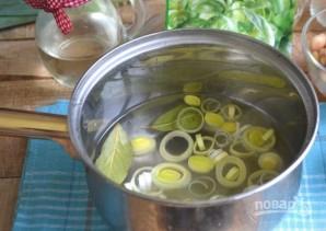 Салат из морепродуктов с фасолью, кукурузой и каперсами - фото шаг 4