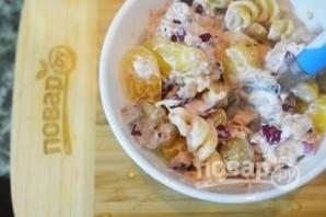 Салат с пастой и тунцом - фото шаг 4