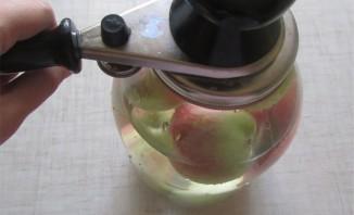 Яблоки консервированные целиком - фото шаг 9
