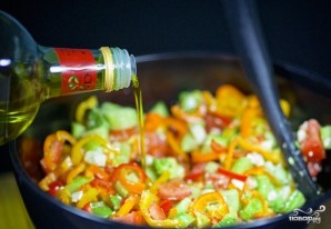 Овощной салат с авокадо - фото шаг 7