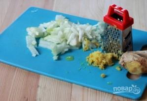 Порционный салат с курицей и ананасом - фото шаг 2